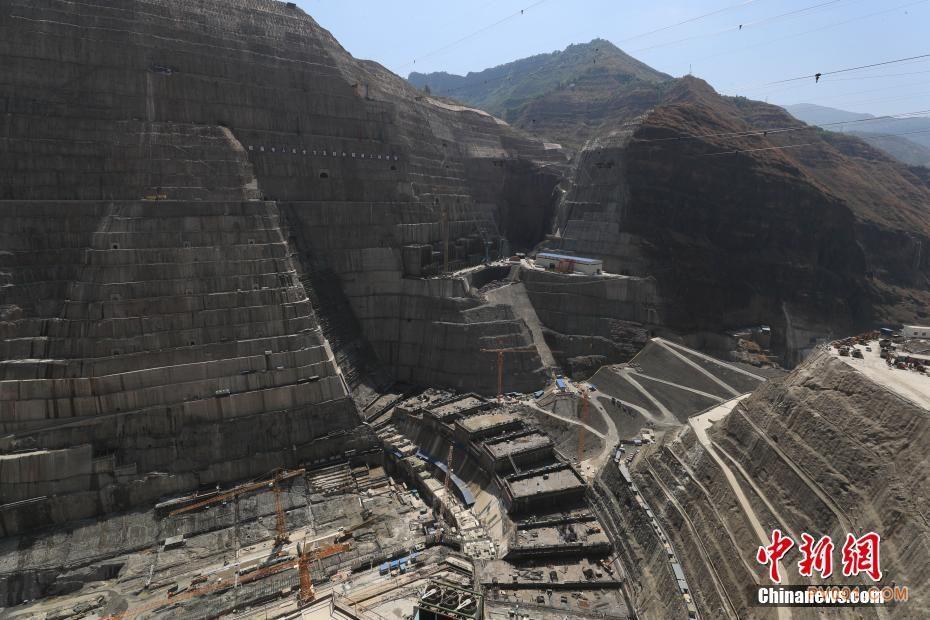 云南省昭通市正在建设中的白鹤滩水电站(组图)