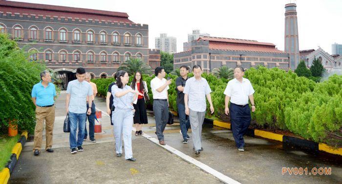 与会代表集体参观杨树浦水厂